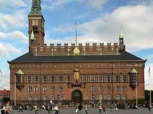 596px-Copenhagen_City_Hall